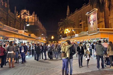 spain-sevilla-christmas-market-l